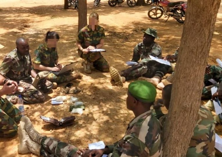 Dames van het DDC in Niger.  Beeld mil