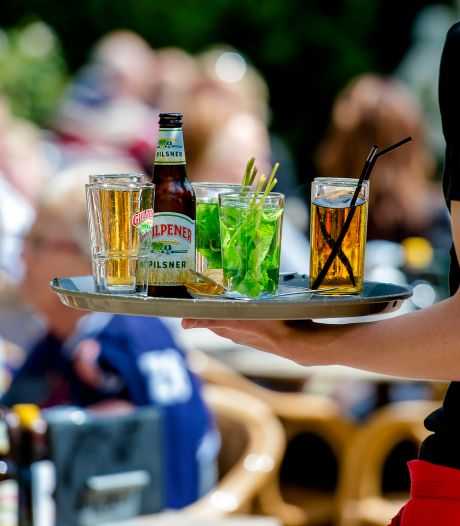 Duizenden horecazaken willen terras opengooien, Breda denkt mee over mogelijkheden: 'Snappen het probleem'