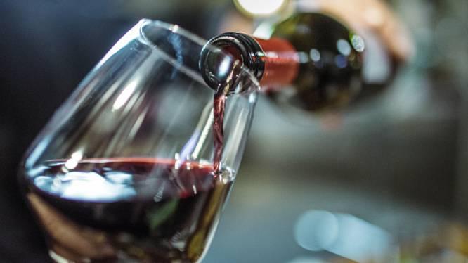 Voorwaardelijke straf voor vrouw die fles wijn op hoofd vriend kapotsloeg bij ruzie in Kortrijk
