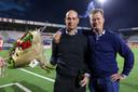 Klaas Wels met directeur Peter Bijvelds.