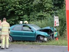 Automobilist raakt gewond bij ongeluk op exacte grens van provincies Utrecht en Gelderland