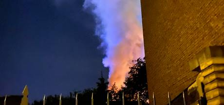"""Gros incendie à Charleroi: """"Le plafonnage lui est tombé dessus"""""""
