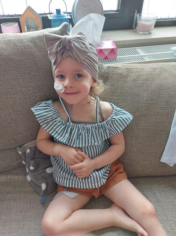 De kleine Jade (3,5) uit Deurne vecht tegen een zeldzame kanker.