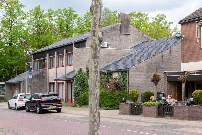 Het voormalige pand van de Rabobank aan het Willem Alexanderplein in Teteringen wordt omgebouwd tot gezondheidscentrum.