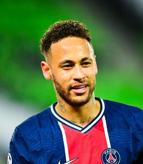 """Neymar, """"plus heureux que jamais"""", jure fidélité au PSG"""