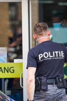 FIOD valt binnen bij zonnestudio en supermarkt in Helmond vanwege witwasonderzoek