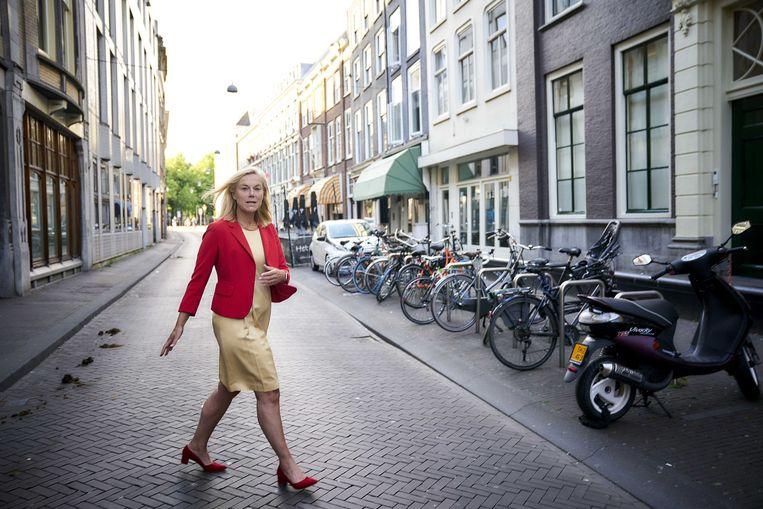 Minister Sigrid Kaag (Buitenlandse Handel en Ontwikkelingssamenwerking) staat de pers te woord over het lijsttrekkerschap van D66.  Beeld ANP