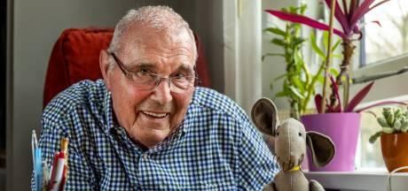 Kees gooit op 85-jarige leeftijd het roer om en wordt kinderboekenschrijver