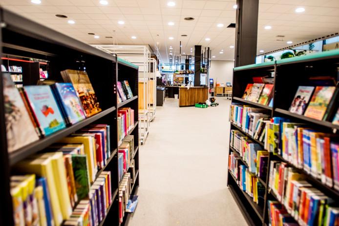 De bibliotheek is van de eerste verdieping naar beneden verhuisd.