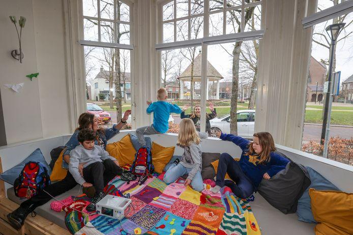 Villa ExpertCare in Waalre heeft nu een Erkerbank op ooghoogte.