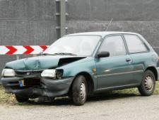 Auto vliegt uit de bocht in Holten: 1 gewonde