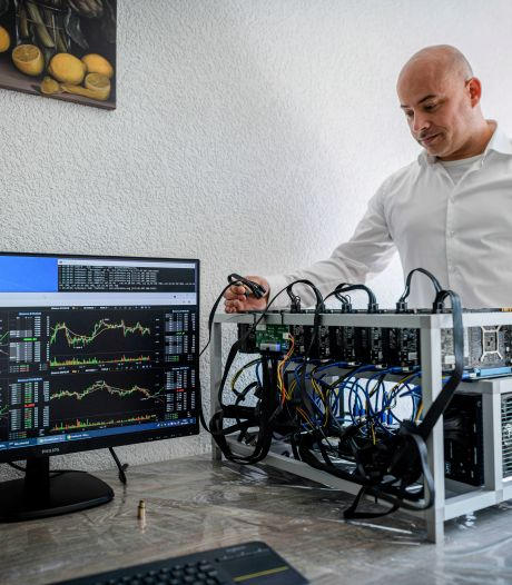 Almelose Danny (41) bouwt computers voor cryptomunten, maar hij is nog geen miljonair