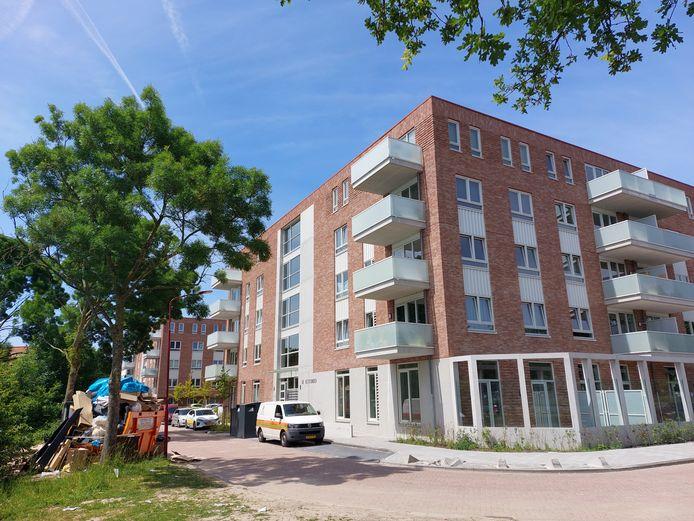 Gloednieuwe woningen tussen de kantoren. Het Nieuwegeinse bedrijventerrein Plettenburg verandert in rap tempo in de woonwijk Rijnhuizen.