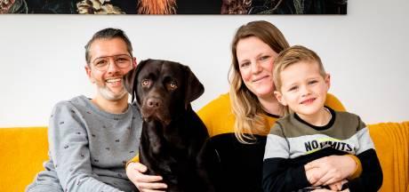 Duizenden euro's nodig voor operatie zieke pup Lex: 'We zitten in zak en as, inslapen is geen optie'