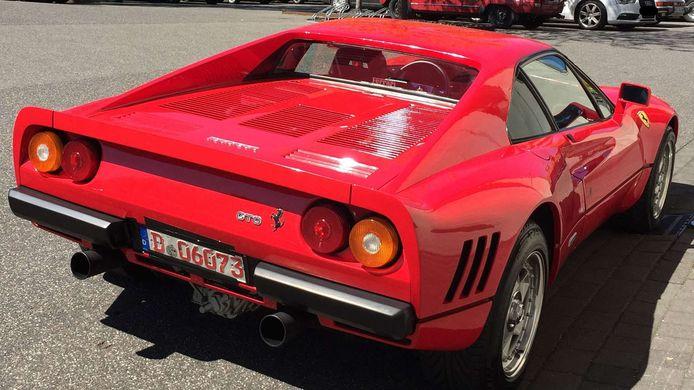 De gestolen Ferrari 288 GTO.
