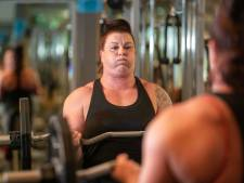 Powervrouw Patricia (35) uit Lelystad pakt wereldrecord bicep-curlen: 'Wist vooraf al dat ik het record zou verbreken'