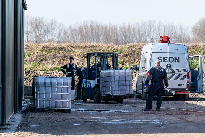 Drugslab ontdekt op boerenerf in Halsteren.