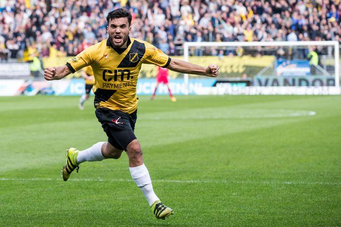 Seizoen 2016/2017, El Allouchi scoort tegen FC Eindhoven.