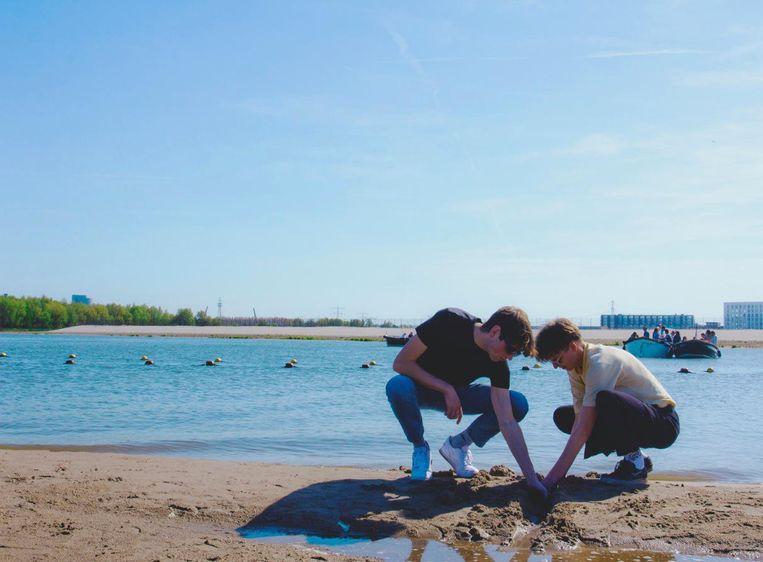Vrijland Festival vindt plaats in het zand op Blijburg Aan Zee. Beeld Michelle Janssen