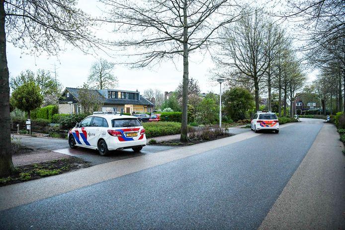 De politie deed maandag buurtonderzoek na de overval op een woning  aan de Boezemlaan in Boskoop.