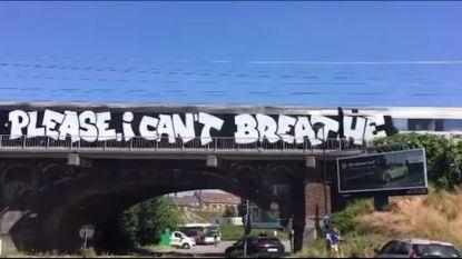 NMBS-trein beklad met graffiti die verwijst naar dood George Floyd