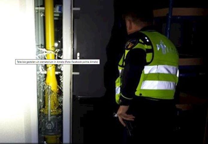 Bij een inbraak in Crematorium Almelo werd donderdagnacht een tv gestolen.