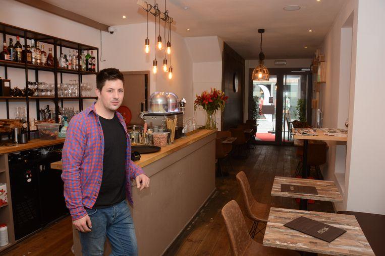 Joeri Bryssinck biedt in De Dorpskern klanten de typische Vlaamse keuken aan tegen democratische prijzen.