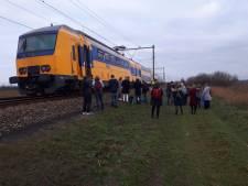 Trein van Gouda naar Utrecht maakt noodstop na rook en vonken