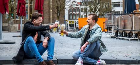 Frank en Steyn (van die ene foto) kijken reikhalzend uit naar het Utrechtse experiment met cafés
