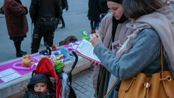 """Handtekeningen voor terugkeer Belgische kinderen in Syrië: """"Haal ze nu eindelijk eens terug"""""""