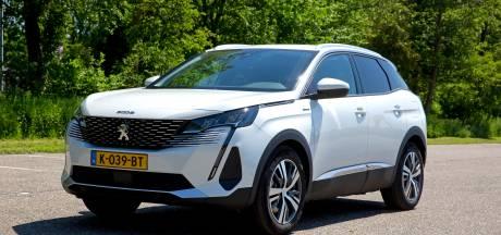 Test Peugeot 3008 Hybrid: lastige bediening, wel bij de tijd