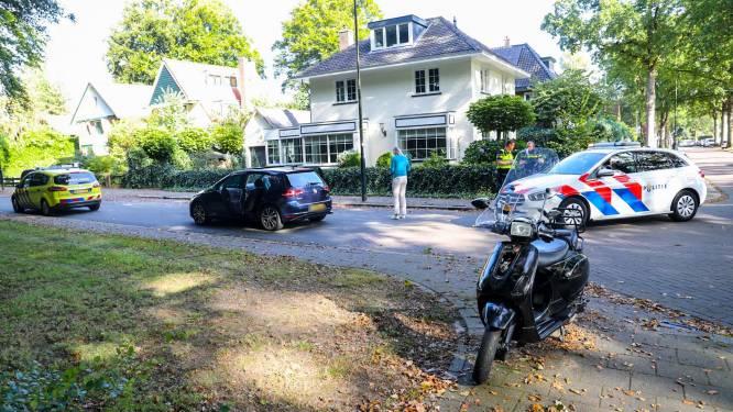 Scooterrijder gewond na ongeluk in Apeldoorn: slachtoffer met spoed naar ziekenhuis