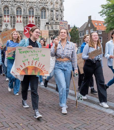 Zeeuwse studenten voeren actie voor het klimaat: 'Het is tijd dat er verandering komt'
