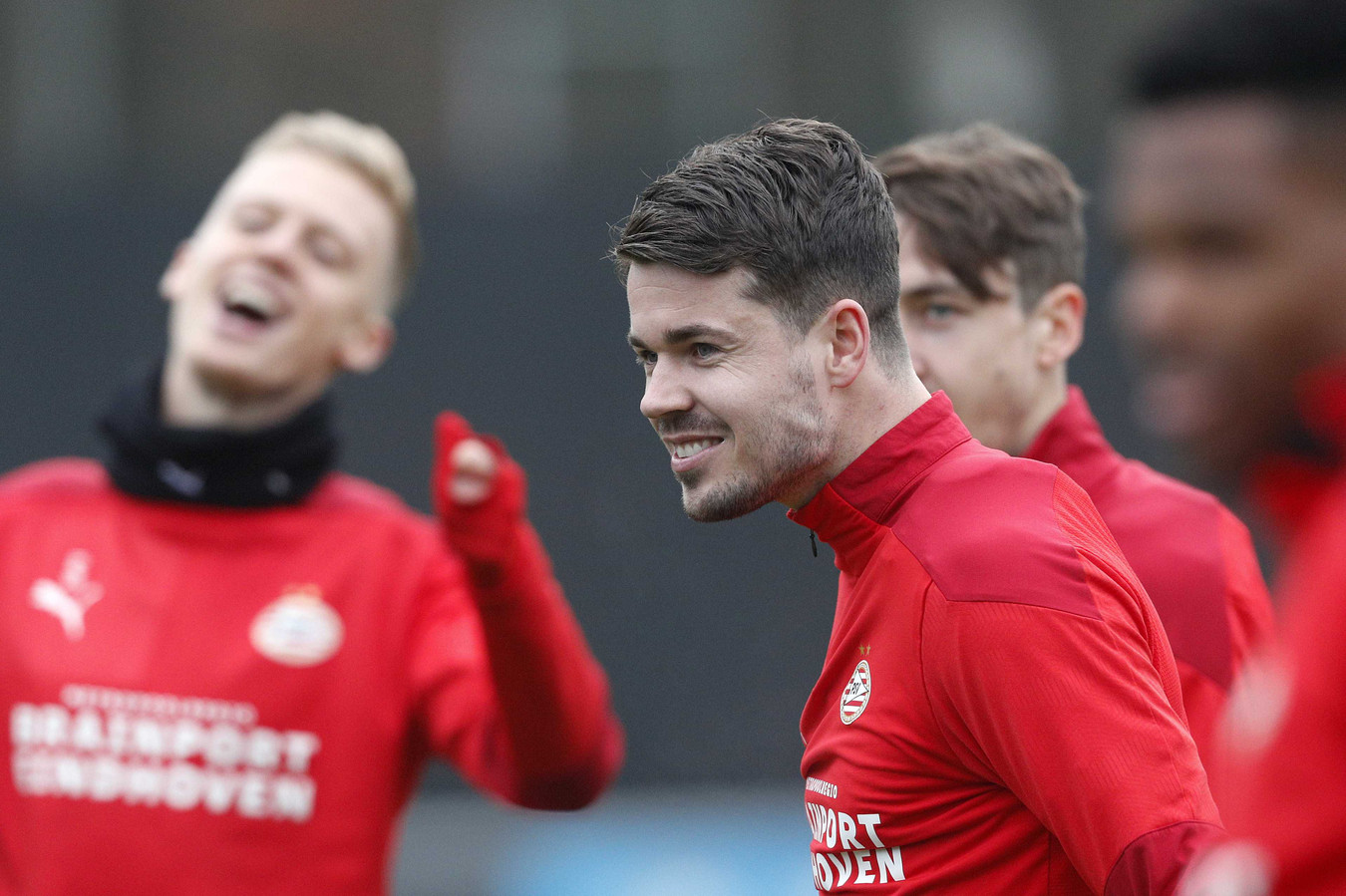 Marco van Ginkel en PSV blijven met elkaar samenwerken.