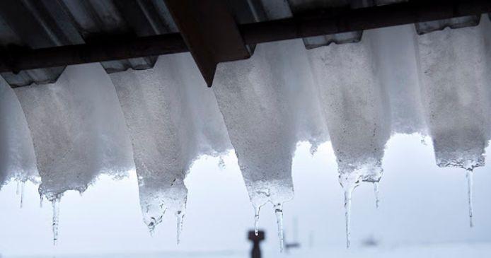 De vrieskou zorgtvoor topdrukte bij de verwarmingsbedrijven door haperende cv-ketels. Installateurskoepel Techniek Nederland verwacht dat de invallende dooi tot veel waterschade zal leiden. Wanneer het water in kapotgevroren leidingen weer gaat stromen, loopt het door scheuren in...