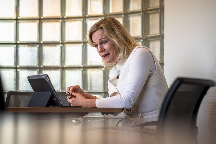 Burgemeester Annemieke Vermeulen van Zutphen is in quarantaine gegaan en laat zich vandaag testen.