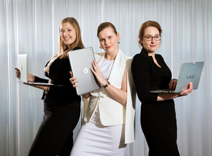 v.l.n.r. Linda Durand, Esther van Luit en Charlotte Rugers van de Cyber Security Opleiding van de Leidse universiteit.