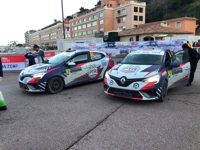 De beide Renault Clio's voor de start van de slotdag in Monaco.