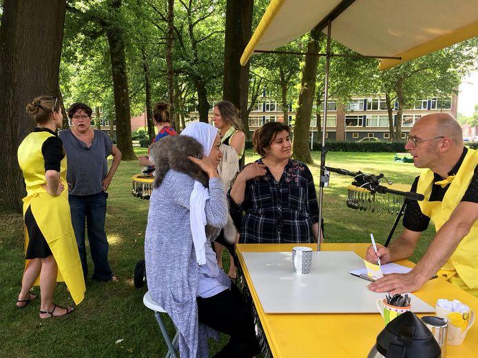 De Tilburg Cowboys tekenden afgelopen zomer in de wijk verhalen van buurtbewoners op.