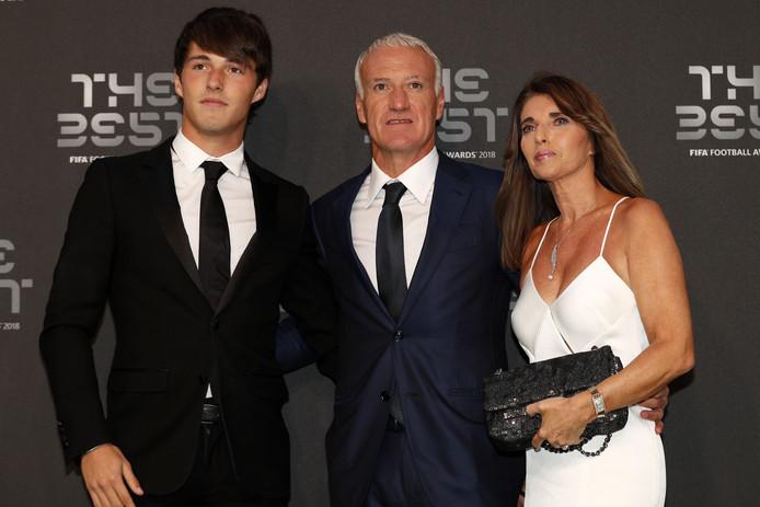 Didier Deschamps met zijn vrouw Claude en zoon Dylan.