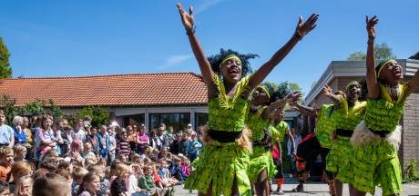 Edes schoolplein ademt Afrikaanse sfeer