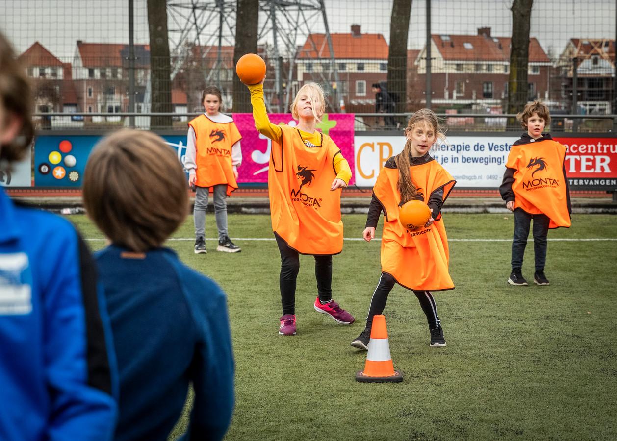 Jibb+ organiseert buitensporten voor kinderen in groep 3 t/m 8 van de basisschool.