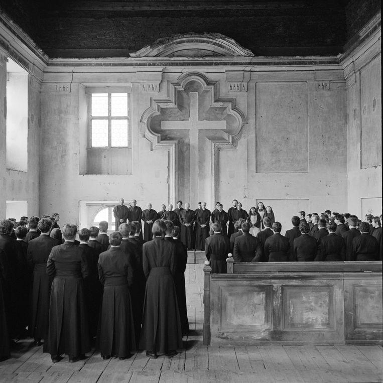 'Servants' speelt zich af op een Tsjechoslovaaks seminarie tijdens de Koude Oorlog. Beeld rv