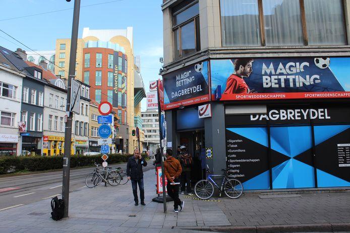 Krantenwinkel Dagbreydel ligt vlak bij het Astridplein.