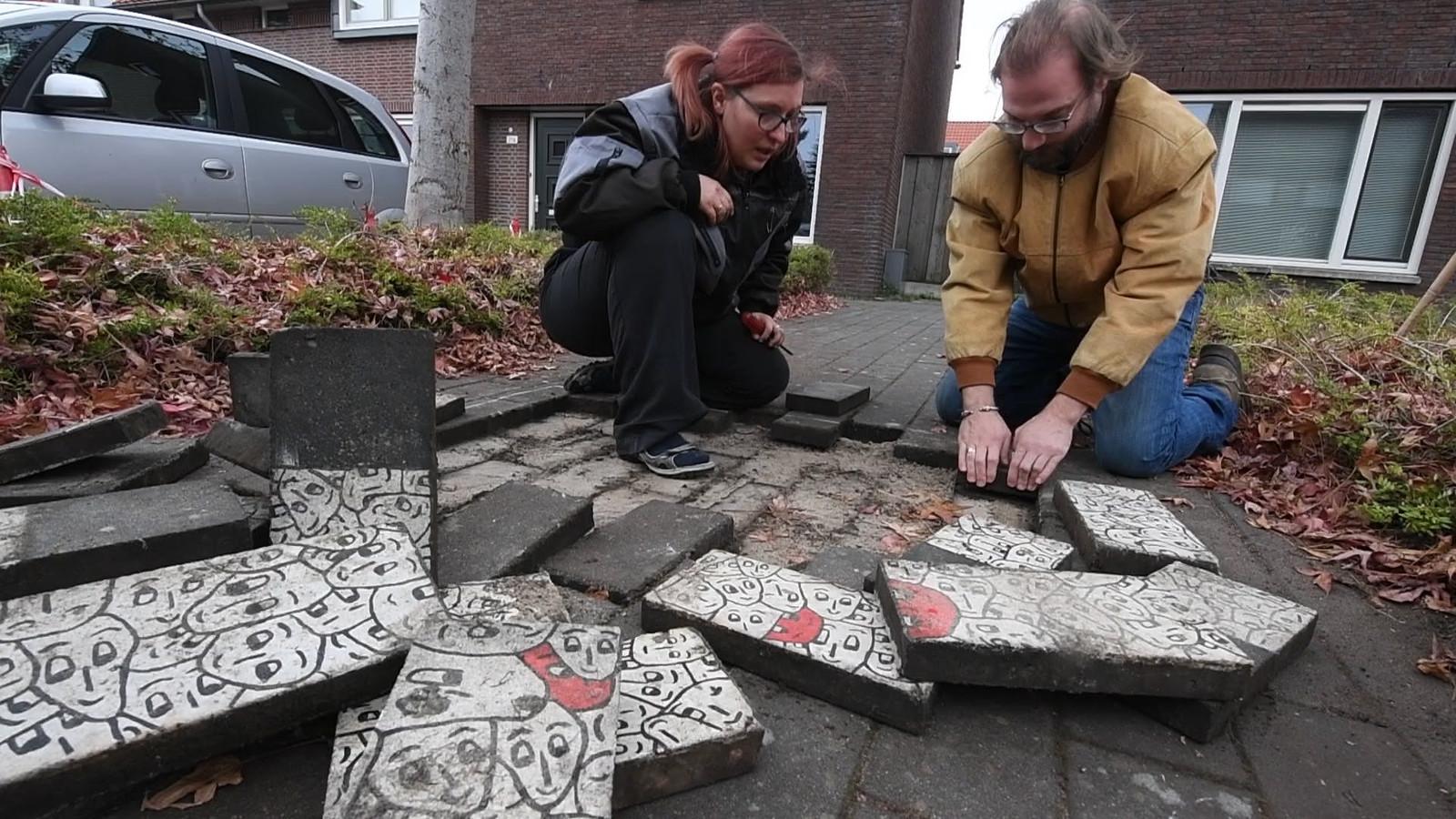 Linda Roosemalen-Baars en partner Niels zochten en vonden het verborgen kunstwerk van Kees Ketting