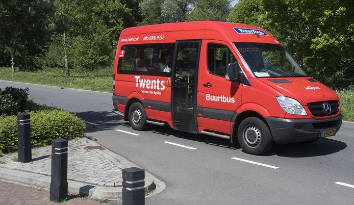 Vanaf 23 november is het weer mogelijk een ritje te maken met de drie buurtbussen in de gemeente Hellendoorn. Sinds maart stonden ze stil, omdat ze toen nog niet coronaproof waren.