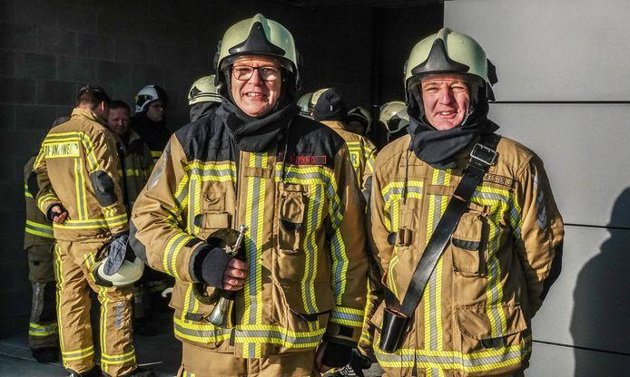 Brandweermannen Dirk Bostoen en Jan Demeulemeester, die van de brandweerpost in Vichte naar Deerlijk komen, zijn enthousiast over hun nieuwe werkplek.