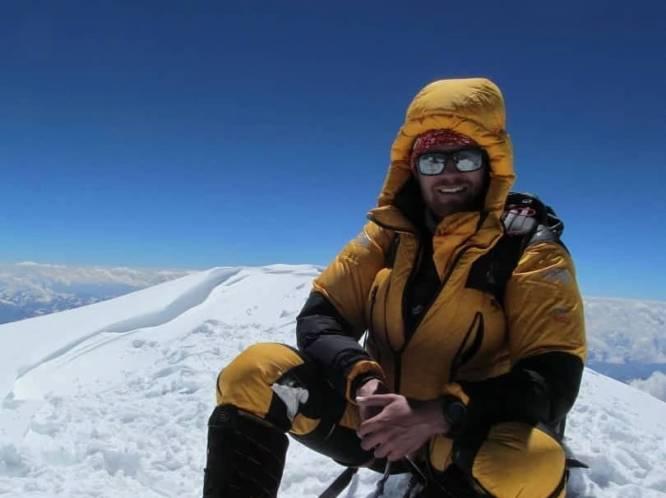 """Niels (35) bereikt top van K2 zonder extra zuurstof: """"Geen Belg deed hem dit ooit voor"""""""
