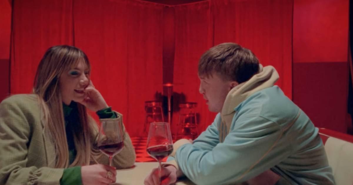 Nieuwe nummer Maan en Snelle een regelrechte hit: binnen 24 uur op één op Spotify - AD.nl