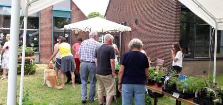Plantenmarkt Middelaar trekt veel vlinderliefhebbers